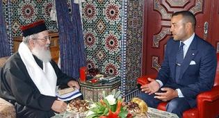 """הרב עמאר ומלך מרוקו. צילום: באדיבות משפחה - הרב עמאר באגרת למלך מרוקו: """"אנו גאים בך"""""""