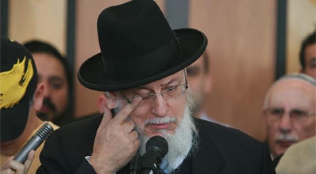 הרב סיטרוק בהלוויתו של אילן חלימי. צילום פלאש 90