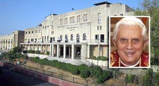 """בנדיקטוס על רקע הישיבה - """"הייתי לוקח את האפיפיור לישיבת פונוביז´..."""""""